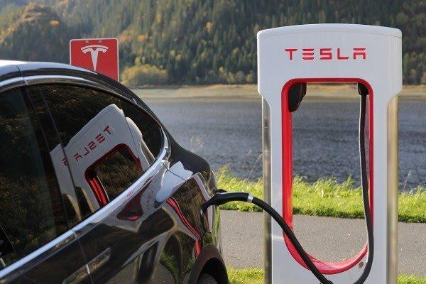 Menunggu Keseriusan Elon Musk Yang Minta Indonesia Meningkatkan produksi Nikel